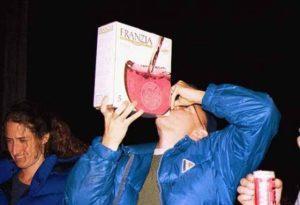 hộp giấy đựng rượu