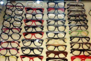 làm sao kinh doanh mắt kính