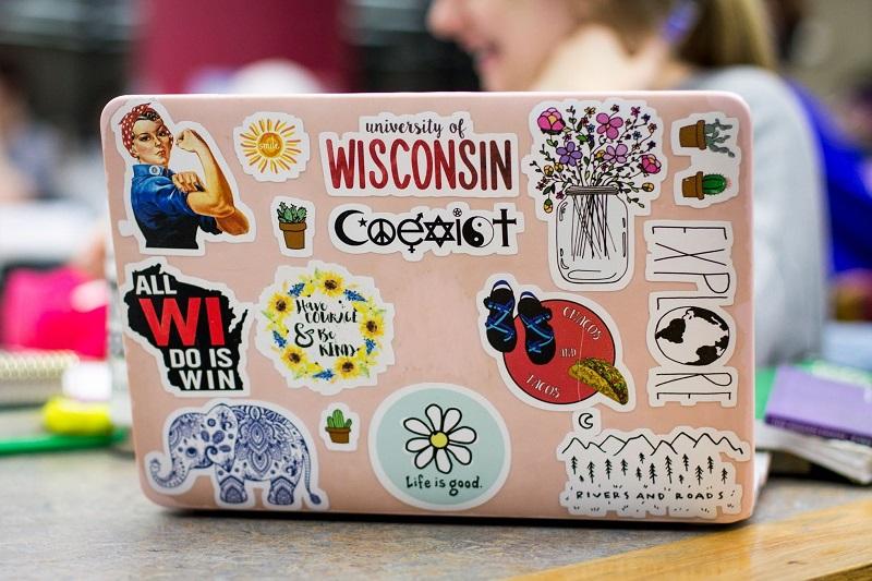 in sticker dán laptop tại tphcm